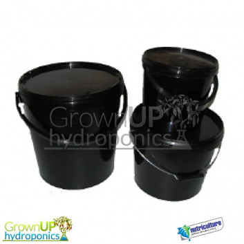 Black Plastic Buckets with lids and handles - 5 litres